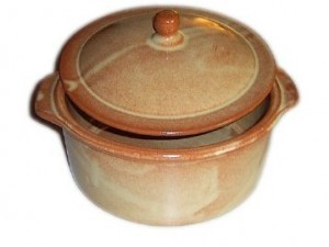 Terracotta Covered Casserole Round, 11.5