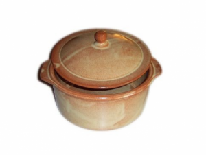 Terracotta Covered Casserole Round 10
